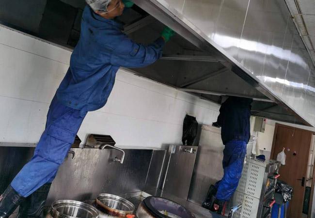 厨房油烟管道清洗上门服务.jpg