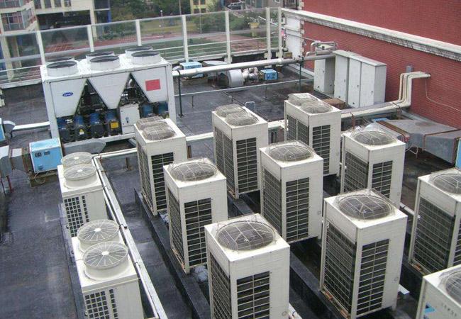 中央空调压缩机工作.jpg